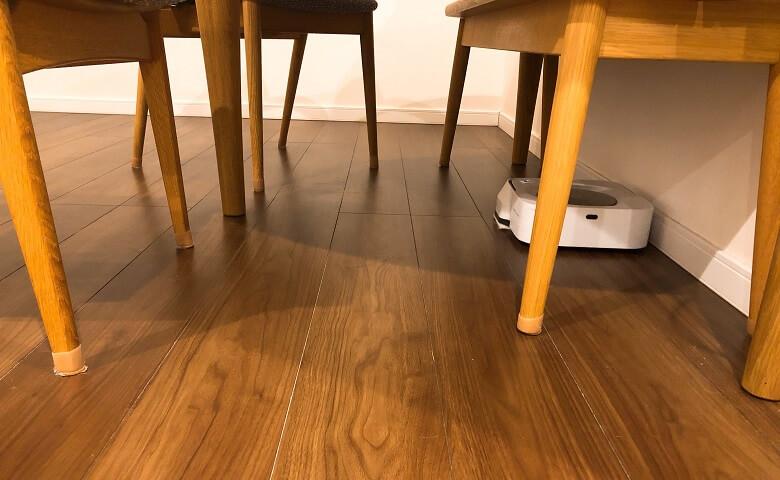 細かな足周りを清掃するm6